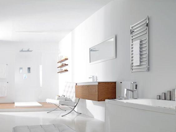 Baño Al Estilo De Candice: en madera aporta un toque de calidez al estilo minimalista del baño