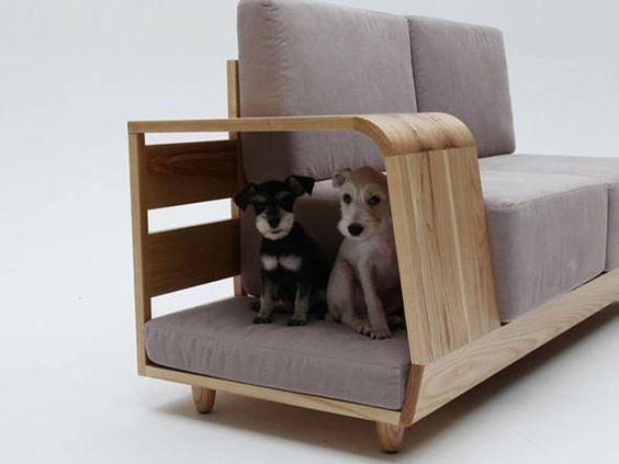 Sofá com assento para cachorro Dog House Sofa, criado pelo designer coreano Seungji Mun.