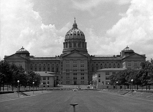 Kawkawpa Flickr -- Capital Building from Soldiers & Sailors Grove, early 1940s