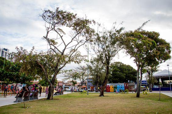 Praça da Faculdade revitalizada por Rui