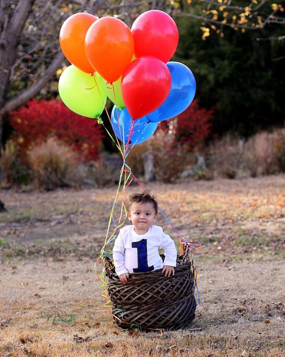 cute baby photoshoot idea. basket + balloons!