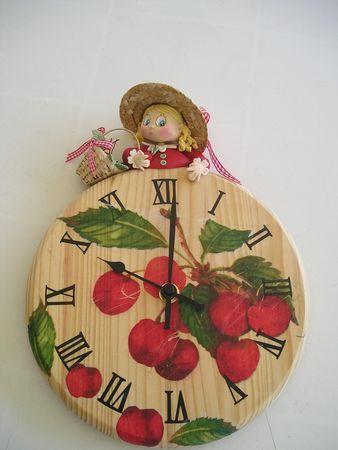horloge cerise
