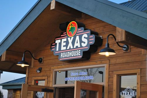 Texas Roadhouse Ranch Dressing: 3/4 c mayo; 1/4 c buttermilk; 1/2 t garlic powder; 1/4 t cayenne pepper; 1/4 t fresh cracked black pepper; 1 dash of dried minced garlic; Mix well and refrigerate