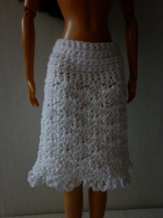 Easy Crochet Doll Skirt Pattern : Crochet Barbie Skirt Pattern http://www.rebeckahstreasures ...