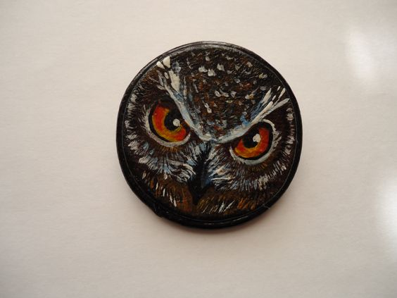 The owl is a symbol of wisdom, protection against black forces, wealth preservation in the house and bring good luck. This brooch can become your favorite talisman. Size - 5.5 cm in diamete