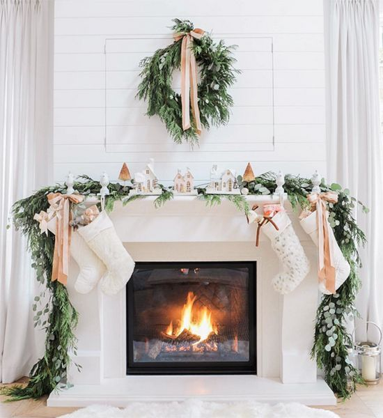WEEKEND AT HOME / 42 | D E S I G N L O V E F E S T | Bloglovin' #christmasstockings #holidaydecor #christmasfirepl