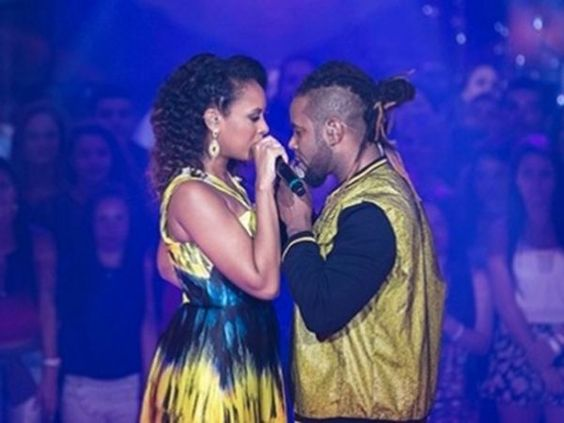 """Candidatos do """"The Voice"""" assumem namoro - Divulgação/TV Globo"""