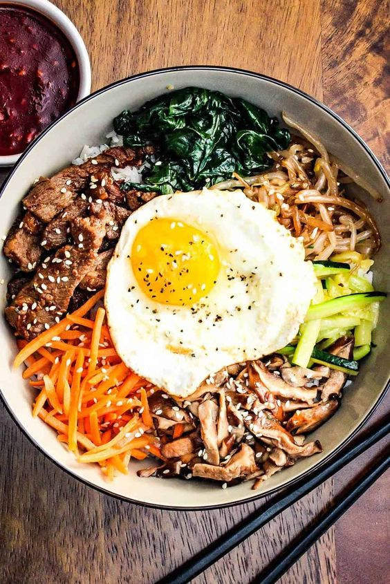 honestly bibimbap is one of the fastest dishes to make on ur own, looks difficult but takes me maybe 15 mins, enjoy ;))