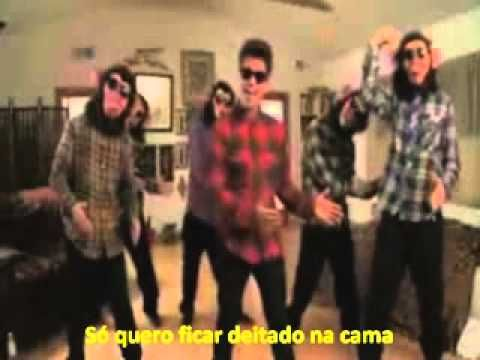 Bruno Mars - The Lazy Song Try not to smile while watching this :)