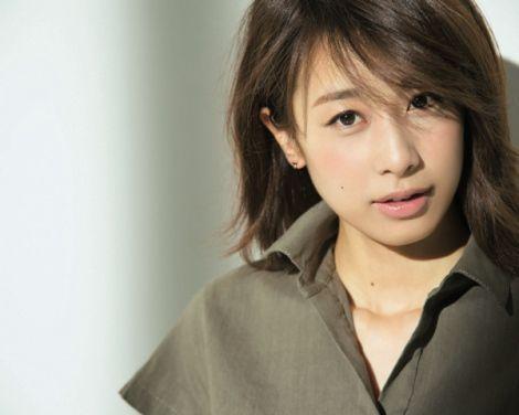 セクシーな表情の加藤綾子