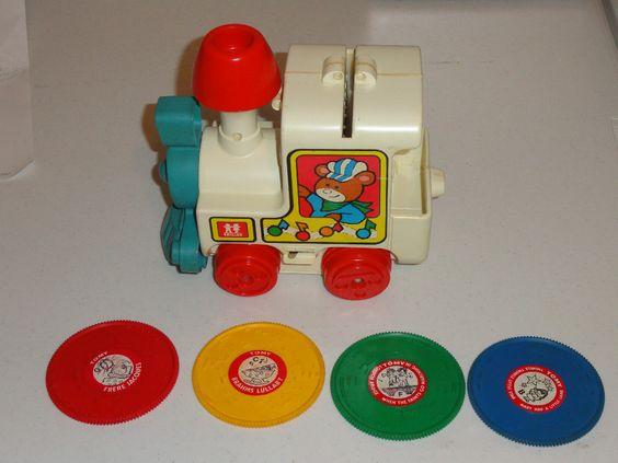 Je me souviens de ce petit train musical avec les disques!