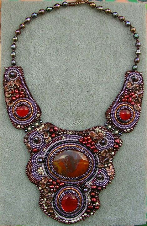 Suzanne Roos #statementnecklace #beadwork #beadembroidery