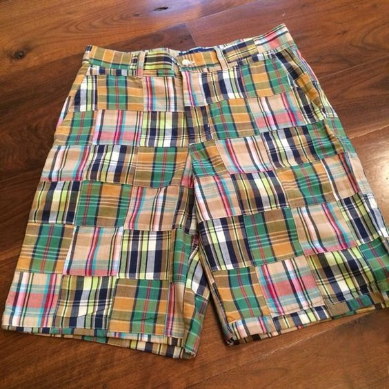 "Authentic Cape Madras Size 4 Like New! I'm offering my like new Cape Madras shorts in excellent condition. Super clean & cute classics. Length is 20"" Cape Madras Shorts Bermudas"