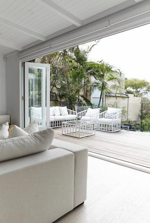 Post Fantastica Villa En Los Alrededores De Sydney Australia Casa Grande Casa Moderna Luminosa Dec House Salones De Estar Costeros Decoracion En Blanco