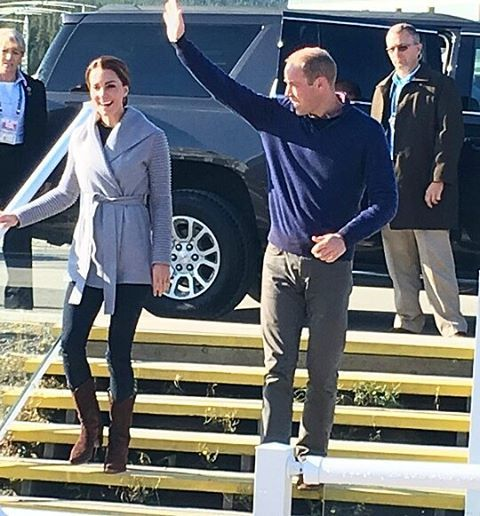 William and Catherine have arrived im Carcross! !Loving her outfit what do you think? ❤ This is my last post for today,I'll update u tomorrow  #weadmirekatemiddleton #weadmireprincewilliam #lifeofaduchess #duchessofcambridge #aroyallovestory #willandkate
