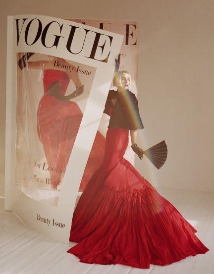 Timeless モデル: Hannelore Knuts(ハナロア・クヌッツ) 発表: イタリア版Vogue 2005年12月号