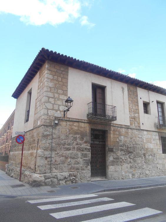 Edificio en Calle Cuartel de San Fernando.
