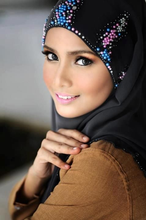 hijabs styles de hijab and comment on pinterest. Black Bedroom Furniture Sets. Home Design Ideas