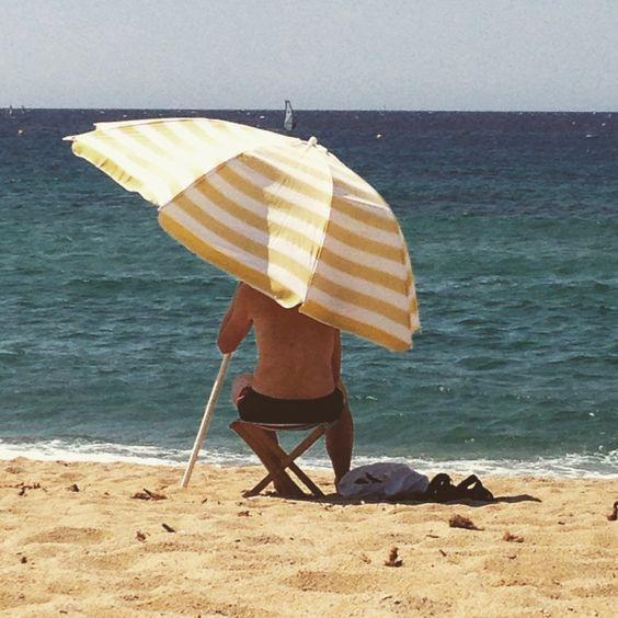 Mein Sonnenschirm! Meiner! #corse