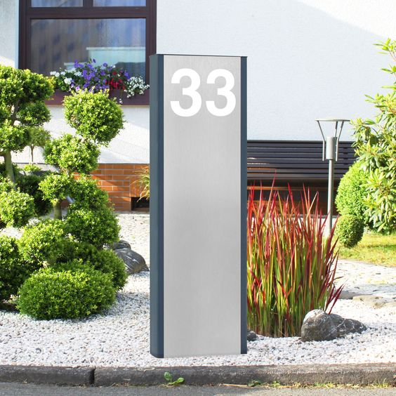 design led stele s ule pylon mit individuellem schriftzug hausnummer beleuchtet die. Black Bedroom Furniture Sets. Home Design Ideas