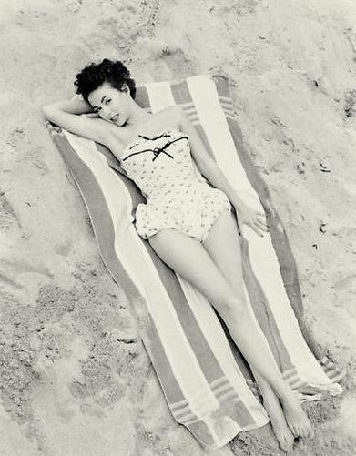 Rita Moreno: 11 de diciembre 1931 - ahora