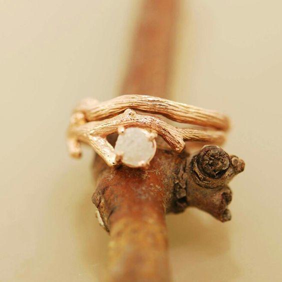 Beautiful gold twig ring.