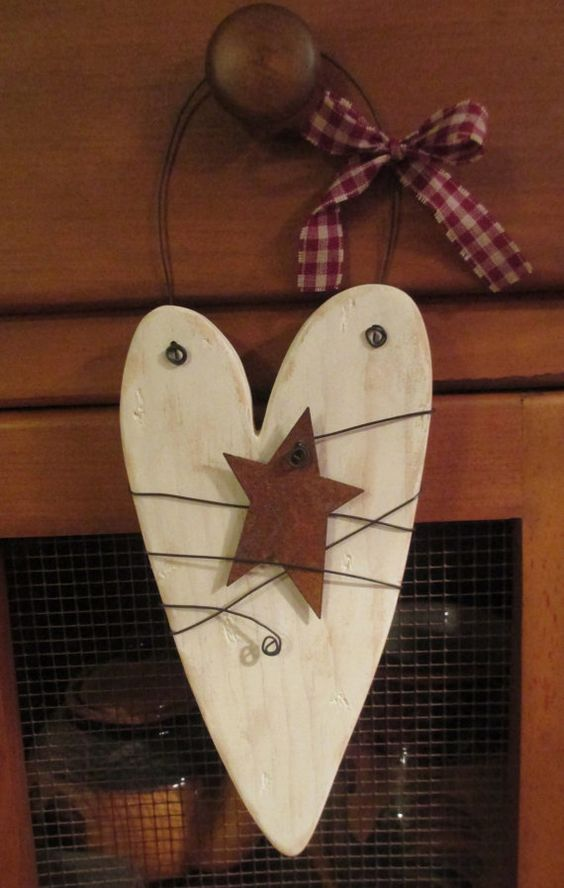 Rustic White Wooden Heart Door Hanger With Rusty Tin Star