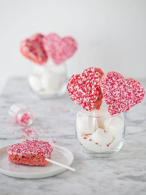 Rice Krispie Valentine Lollipops
