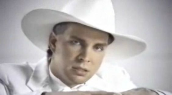 The Unthinkable Happens To Garth Brooks' Piano In His 1994 Video For 'The Red…