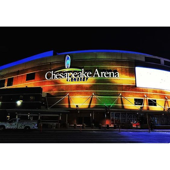 Last pic from Oklahoma for a while.  Chesapeake Energy Arena last night before the game.  #OKC #oklahomacity #okcthunder #oklahomacitythunder #nba #chesapeakearena #sacramentokings #ig_oklahoma #ig_usa #ig_northamerica #northamerica #usa #oklahoma #basket
