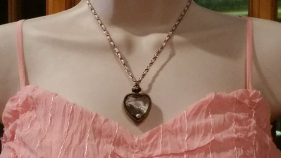 Check out this item in my Etsy shop https://www.etsy.com/listing/223969303/heart-w-key-necklace