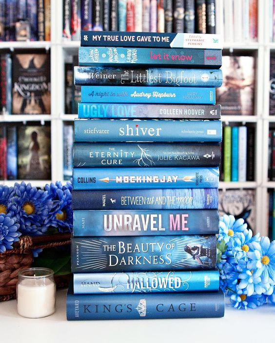 Blue Book Tower. #MarchBookstagram --- Happy Saturday Bookworms!! I hope you're having an awesome day so far. I've spent the morning cleaning up my bookshelves which was desperately needed and soon I'm heading to the hardware store to get some supplies for some projects I'll be working on next week. Fun right?  --- What are you up today today?? And what are you reading this weekend?? --- #bookphotochallenge #bookstagram #bookstagrammer #bookstagramfeature #bookishfeatures #bluebooks #yabooks #sh