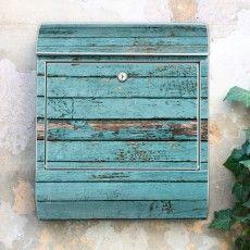 Großer Stahl Briefkasten mit  Blaue Holzlatten Motiv