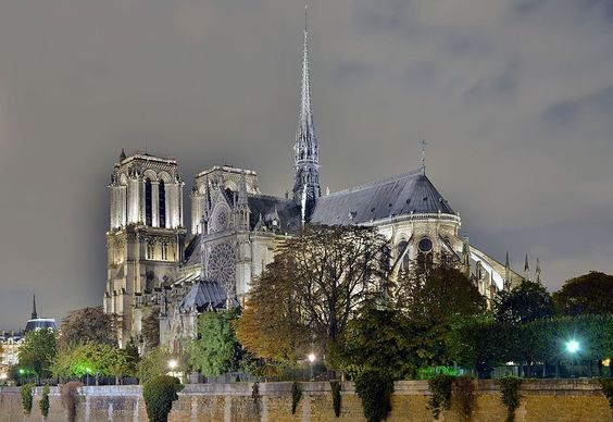 Notre-Dame de Paris from the Pont de l'Archevêché by Night.jpg