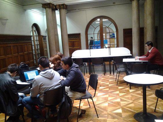 Zona exterior de Biblioteca. #escueladecomerciodesantiago #bibliotecaccs