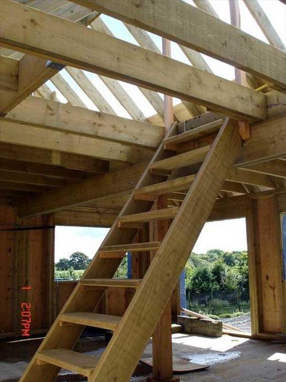Pallet Wood Stair Designs: