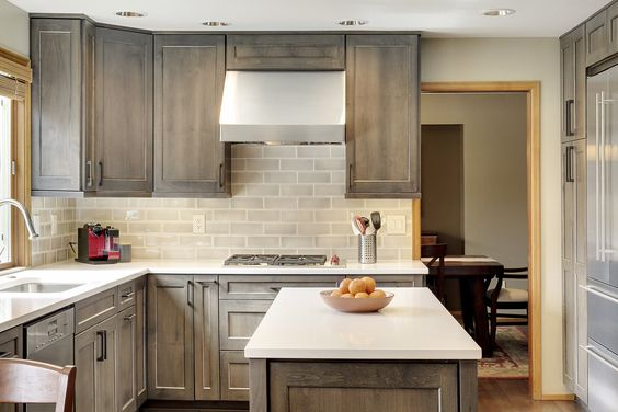 Steven Ray Construction specializes in custom kitchen remodel services in Issaquah and the greater Seattle area.