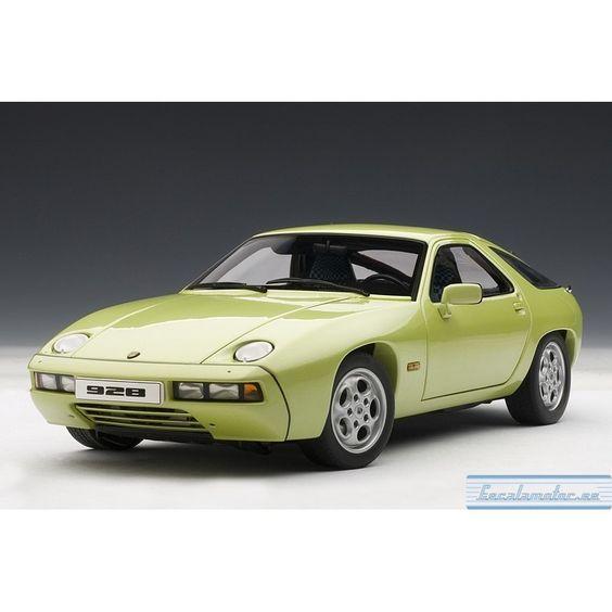 Porsche 928 (lind green metallic)