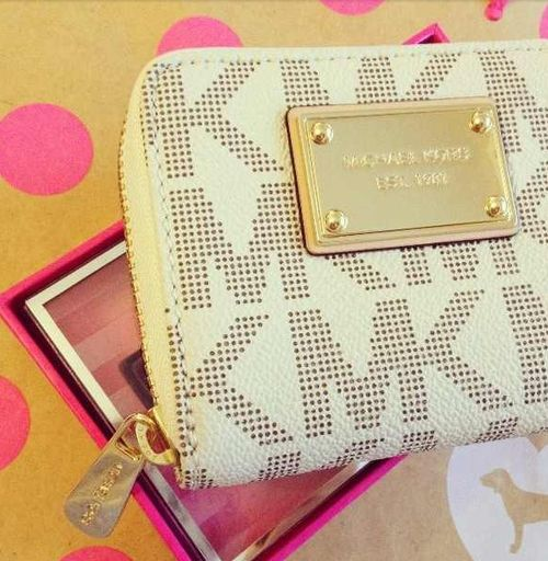 MK wallet. Love his line. I want this wallet