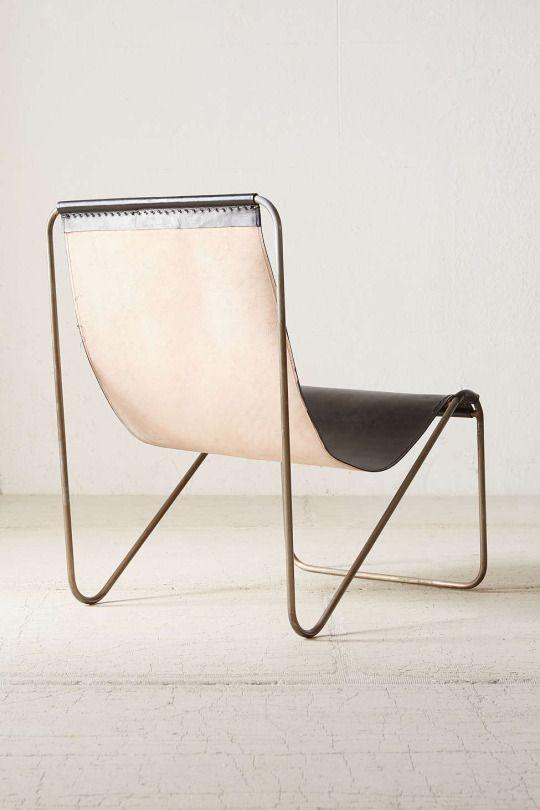 U0027Maddox Leather Sling Chairu0027   Ontwerper: Urban Outfitters   Prijs: U20ac295    Materiaal: Metalframe Leather Seat   Site:http://www.polyvore.com/maddoxu2026