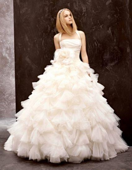 un lindo vestido de novia apropiado para ti y tus amigas