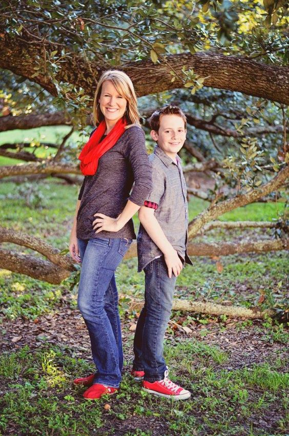 Mom and teen son portrait by Daws Photography. Grey and red color scheme. Red Toms. Red Chuck Taylor's Converse.