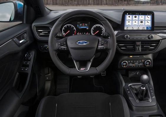2020 Yeni Kasa Ford Focus St Ozellikleri Ile Tanitildi Oto Kokpit Ford Focus Ford Dizel Motor