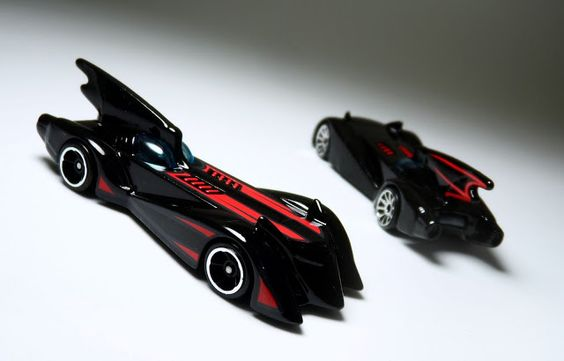 Batmóvel da série animada Brave & Bold - Hot Wheels.