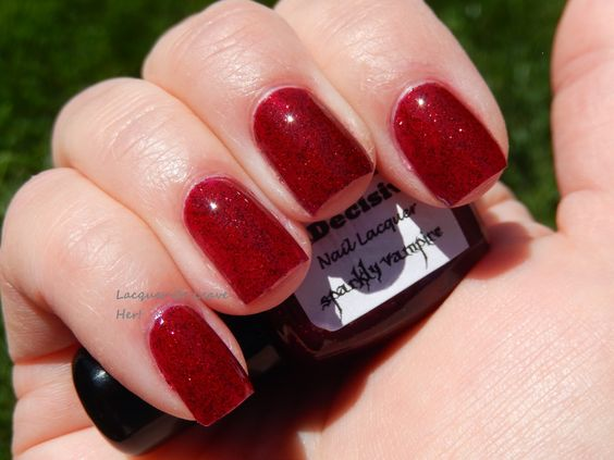 InDecisive Nail Lacquer Sparkly Vampire (sunlight shot)