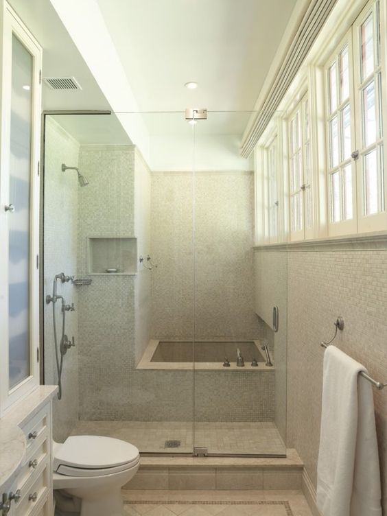 Petite salle de bains avec baignoire douche 27 id es - Transformer sa baignoire en douche italienne ...