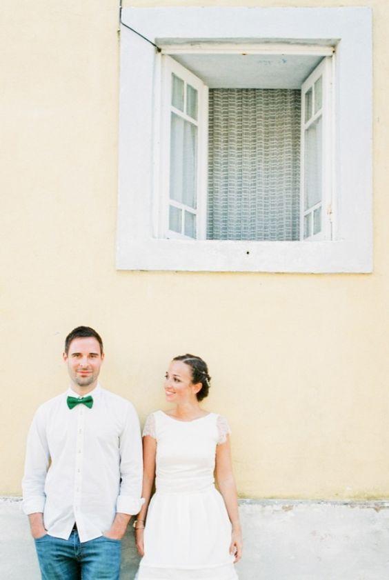 Brancoprata - Une seance photo en coouple a Porto pour un anniversaire de mariage - La mariee aux pieds nus
