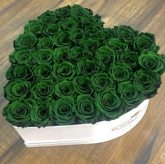 Real Long Lasting Roses Heart Shaped Box Lifetime Is Over 1 Year In 2020 Green Rose Beautiful Rose Flowers Flower Bouquet Boxes