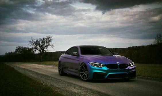 BMW F82 M4 violet