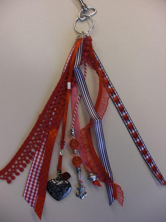 Rode tassen of sleutelhanger...